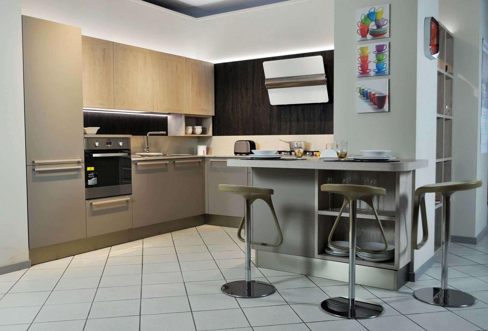 Veneta Cucine angolare con elettrodomestici Hotpoint Ariston in saldo